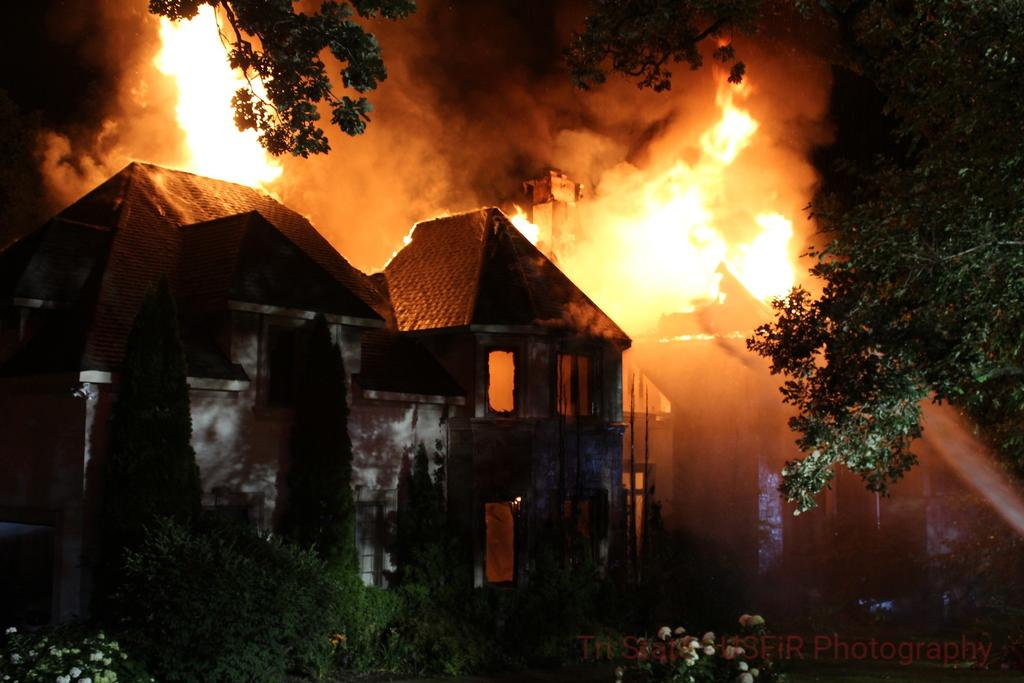 Heritage Oaks Drive 070421 Photo courtesy of Northern Illinois Fireground Photos